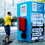 Coca Cola para limpiar las calles…
